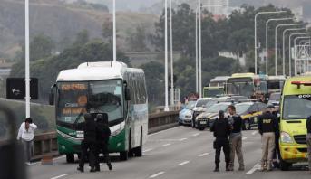 البرازيل .. مقتل محتجز رهائن على متن حافلة في ريو دي جانيرو