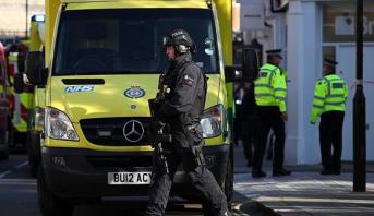 Attaque au couteau dans une mosquée à Londres: l'auteur inculpé