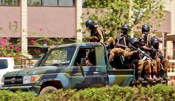 24 قتيلا في هجوم لإرهابيين على كنيسة في شمال بوركينا فاسو
