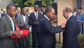 بوركينافاسو توشح سفير المغرب بوسام ضابط من درجة فارس