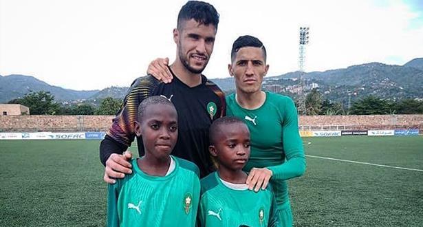 """بادرة إنسانية من لاعبي """"الأسود"""" تجاه طفلين في بوروندي"""