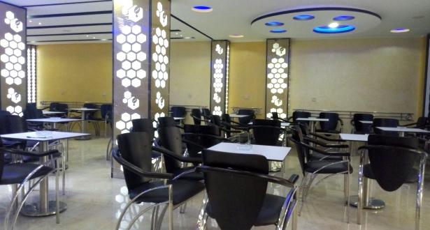 موعد استئناف المقاهي والمطاعم لأنشطتها الخدماتية وفق شروط