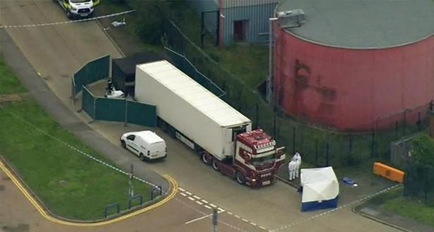التعرف على هويات جميع الضحايا الـ 39 الذين قضوا في شاحنة تبريد ببريطانيا