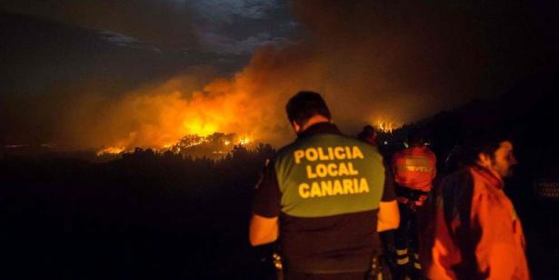 L'île de Grande Canarie ravagée par un incendie hors de contrôle