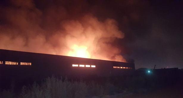 اندلاع حريق كبير بمستودع للتخزين مخلفا خسائر مادية بالدار البيضاء