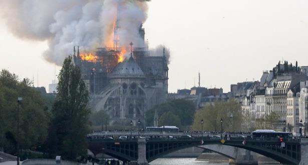 Incendie en cours à Notre-Dame de Paris