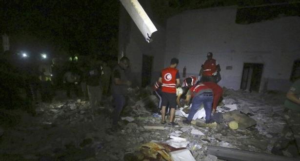 القنصلية العامة للمملكة بتونس تتابع أنباء احتمال وجود مغاربة ضمن ضحايا قصف مركز للهجرة بليبيا