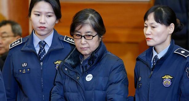 20 عاما سجنا للصديقة المقربة لرئيسة كوريا الجنوبية السابقة بتهمة الفساد