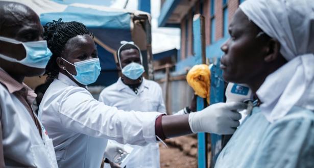 إفريقيا تعاني من وطأة كورونا .. مؤشرات بتصاعد وثيرة الإصابات