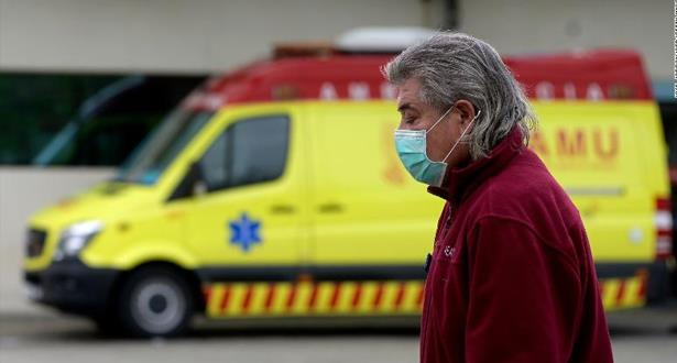 وزير الصحة الاسباني يؤكد أن إسبانيا دخلت مرحلة تباطؤ انتشار عدوى الفيروس