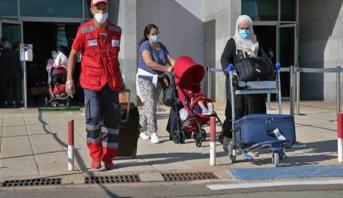 مواصلة نقل المواطنين الذين استكملوا فترة الحجر الصحي في أكادير إلى مدن إقامتهم