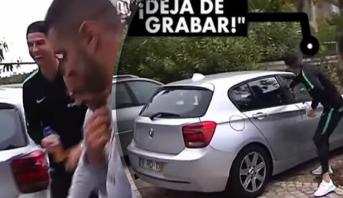 """رونالدو يحاول """"سرقة"""" هاتف معجب! (فيديو)"""