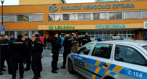 أربعة قتلى وجريحان بإطلاق نار في مستشفى بالتشيك