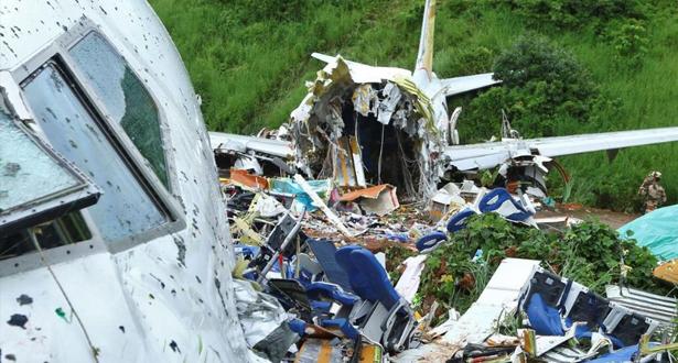 Crash d'avion en Inde: au moins 18 tués et plus de 120 blessés