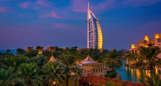 دبي تفتح أبوابها للسياح بعد أشهر من الاغلاق بسبب فيروس كورونا