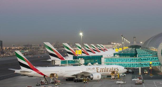 """مطارات دبي .. تحويل مسار رحلتين للاشتباه بنشاط طائرة """"مسيّرة"""""""