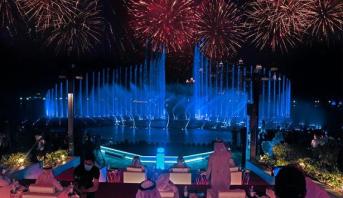 افتتاح أكبر نافورة مياه بالعالم في دبي