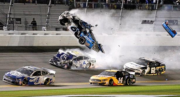 """فيديو .. حادث مروع في سباق """"دايتونا 500"""""""