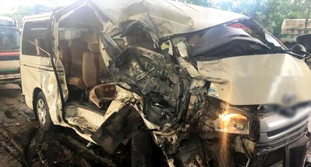 مصرع 6 أشخاص وإصابة 10 آخرين في حادثة سير وسط مصر