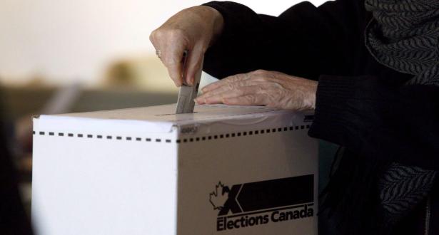 Élections : Les Canadiens appelés aux urnes