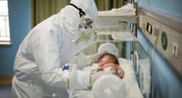 دراسة تؤكد أن كمية فيروس كورونا تكون عالية لدى الأطفال دون الخامسة