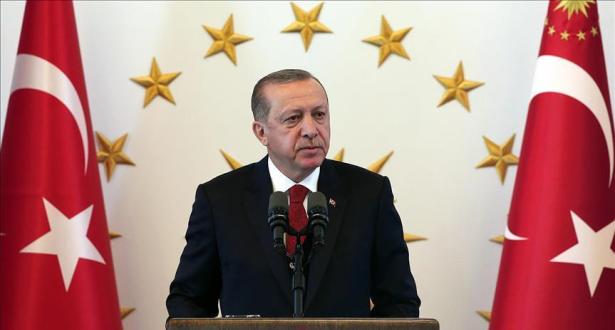 Erdogan menace de bloquer un plan de l'OTAN faute d'appui face aux combattants kurdes