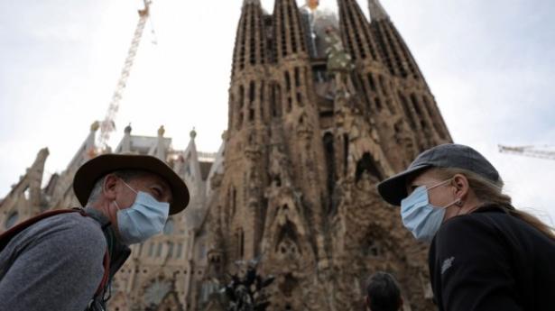 Virus: l'Espagne reconfine partiellement, l'Europe ne baisse pas la garde