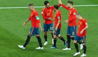 """""""لاروخا"""" يواجه لعنة الهزائم أمام منتخبات البلدان المضيفة للمونديال"""