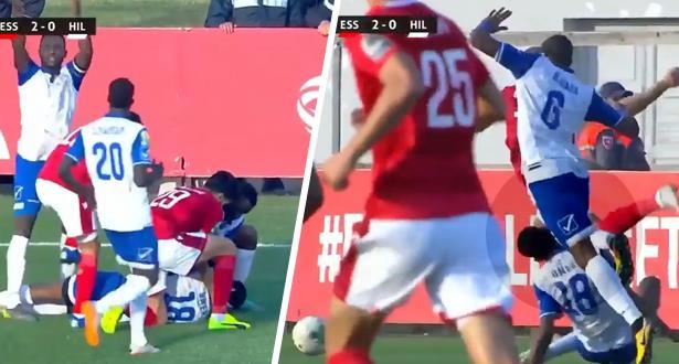 إصابة مرعبة للاعب الهلال السوداني أمام النجم التونسي