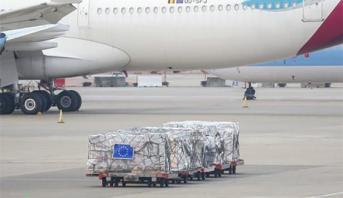 """الاتحاد الأوروبي مدعو إلى التحقيق في استمرار تحويل المساعدات الإنسانية من طرف الجزائر و""""البوليساريو"""""""