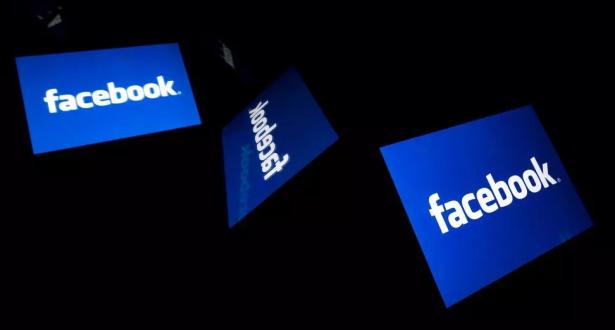 """""""فيسبوك"""" تكشف عن برمجية جديدة للترجمة الآلية"""