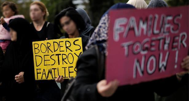 ألمانيا تستأنف برنامج جمع عائلات اللاجئين من اليونان
