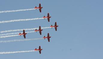 عيد العرش .. القوات الملكية الجوية تنظم استعراضات جوية يوم الثلاثاء على مشارف شواطئ المضيق والريفيين ومارتيل