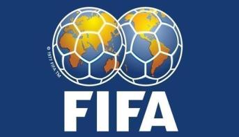 الفيفا يطلب من الأندية واللاعبين الاتفاق بشأن الرواتب
