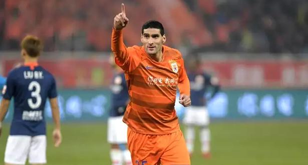 لاعبو كرة القدم الأجانب يعجزون عن العودة إلى الصين في الوقت المحدد