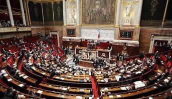 فرنسا .. الحزب الرئاسي يخسر أغلبيته المطلقة في الجمعية الوطنية بعد تشكيل كتلة جديدة