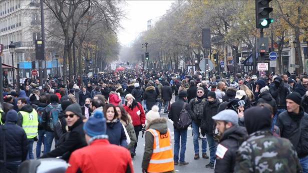France: les mobilisations contre le projet de réforme des retraites se poursuivent