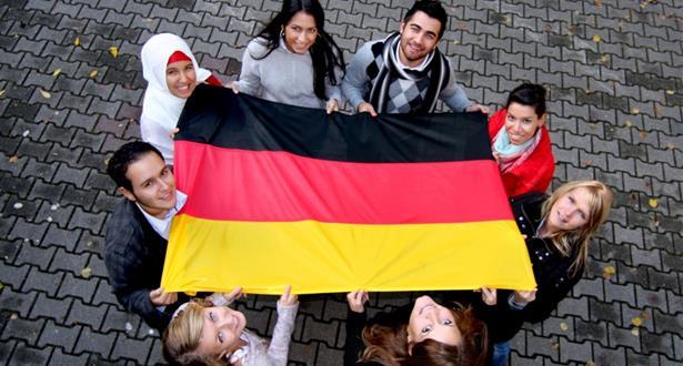 استطلاع .. غالبية الألمان يرون في الهجرة فرصة لبلدهم