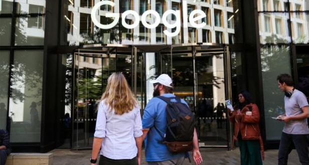 """""""غوغل"""" تحد من الزيارات الخارجية لمكاتبها بسبب فيروس كورونا"""