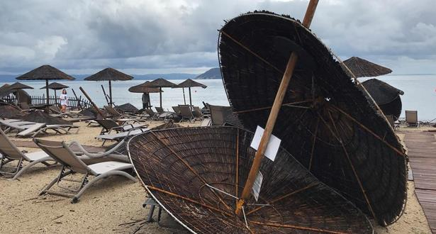 اليونان.. مقتل 5 سياح أجانب على الأقل وجرح العشرات جراء عواصف بَرَد
