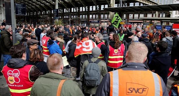 Grève à la SNCF : Les pertes se chiffrent déjà à une centaine de millions d'euros (PDG)