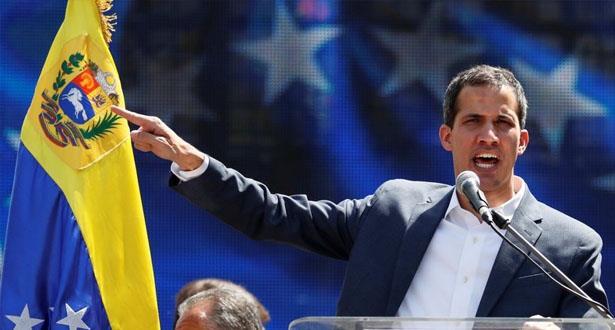 غوايدو يحذر الجيش الفنزويلي من ارتكاب جريمة ضد الانسانية