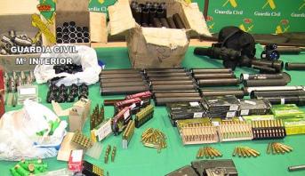 إسبانيا .. تفكيك شبكة لتهريب الأسلحة واعتقال 10 مشتبه بهم