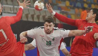 المنتخب المغربي يفرط في الفوز أمام نظيره الجزائري بمونديال كرة اليد