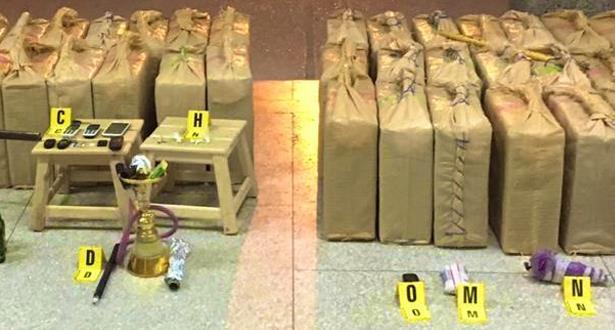 صور حجز أكثر من طنين و280 كيلوغراما من مخدر الشيرا في فاس
