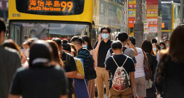 """هونغ كونغ تسجل أعلى حصيلة إصابات يومية بـ""""كوفيد-19"""" منذ ثلاثة أشهر"""
