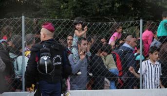 """هنغاريا تمدد """"حالة الطوارئ"""" لمواجهة الهجرة غير الشرعية الجماعية"""