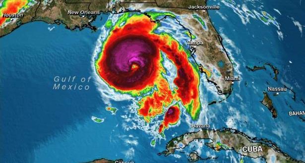 """إعصار """"مايكل"""" يضرب فلوريدا وتحذيرات من دمار شديد"""