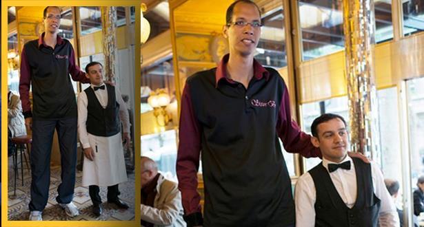 بلدة فنلندية تحتفي بالمغربي تقي الله ثاني أطول رجل في العالم