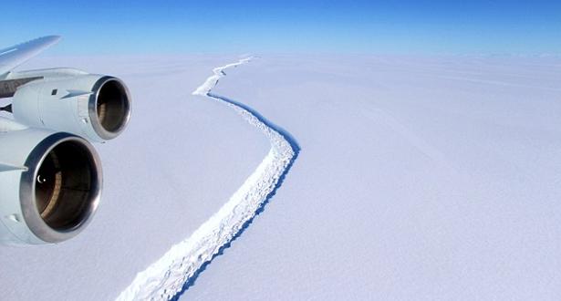 جبل جليدي ضخم ينفصل عن القطب الجنوبي